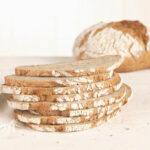 Pan de cereales y grosella