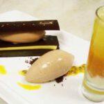 "Chocolate ""Araguani"" y maracuyá milhojas de chocolate"